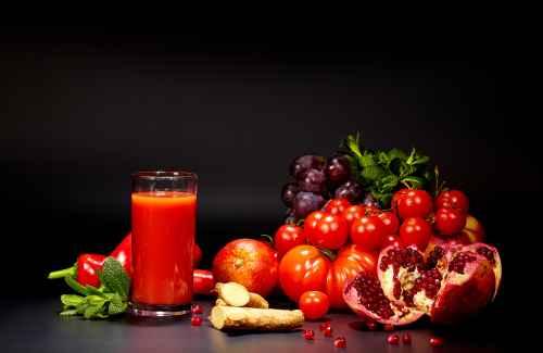 Гранат и томаты